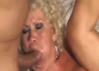 Hard threesome with busty slut granny