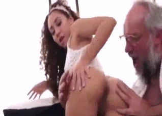 Badass grandpa gets a nice blowjob