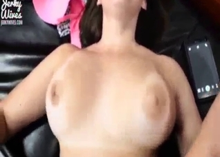 Juicy creampie for a juicy big tit mom