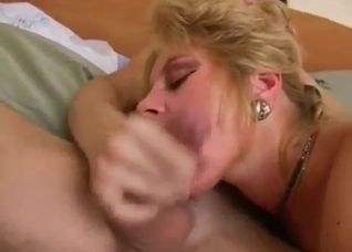 Big ass mature mom riding in cowgirl