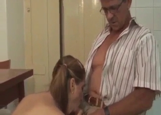 Daughter gives her dad a soothing blowjob