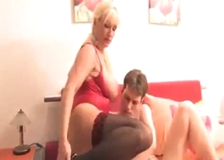 Son inspects the shaved mom's pussy