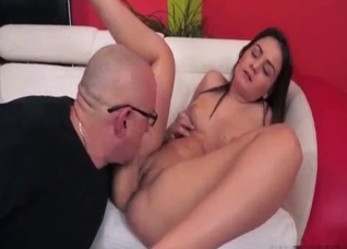 Slutty daughter calms the dad with a kiss